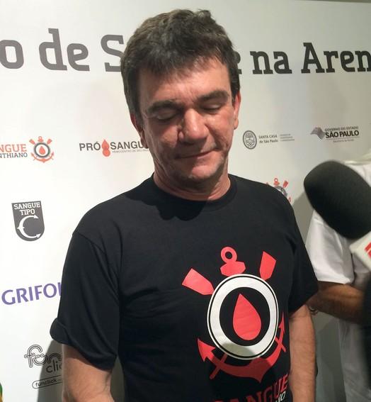 ironia (Carlos Augusto Ferrari)
