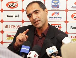Rogério Zimmermann é o novo técnico do Brasil de Pelotas (Foto: Carlos Insaurriaga/Divulgação, Brasil-Pel)
