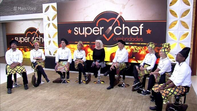 Ana Maria recebe os participantes do 'Super Chef 2016' (Foto: TV Globo)