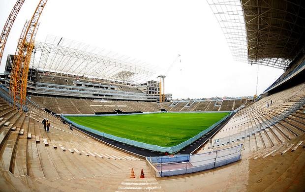 obras acabamento estádio Itaquerão Corinthians (Foto: Marcos Ribolli / Globoesporte.com)