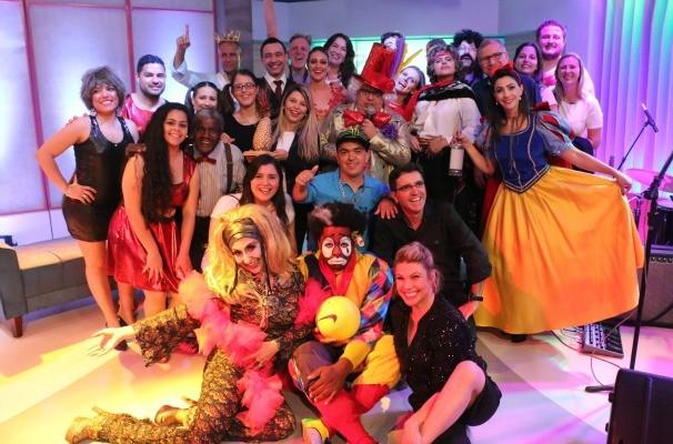 Profissionais da RBS TV mostraram talentos inusitados no Tchê Vira nos 30 (Foto: Gabriela Haas/RBS TV)