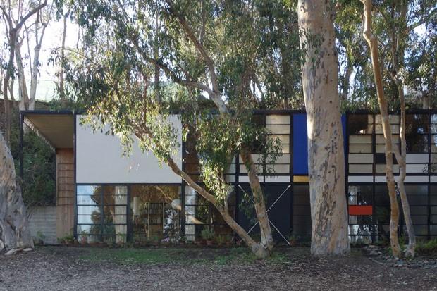 """Casa de Vidro de Lina Bo Bardi recebe exposição """"Casas de Vidro"""" (Foto: Eames House - Case Study House no 8 (projeto 1948-49))"""