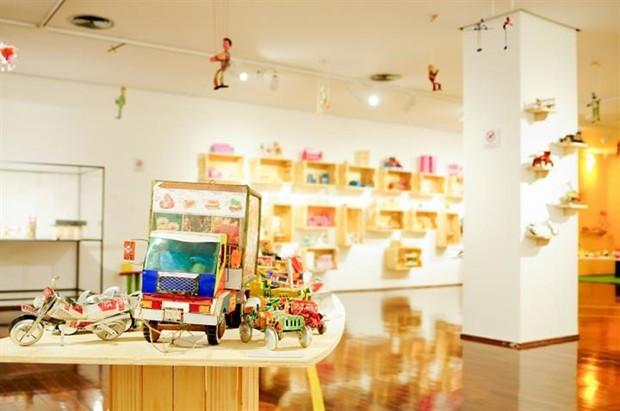 Os objetos à mostra fazem parte do acervo de Sálua Chequer (Foto: Thiago Sabino)