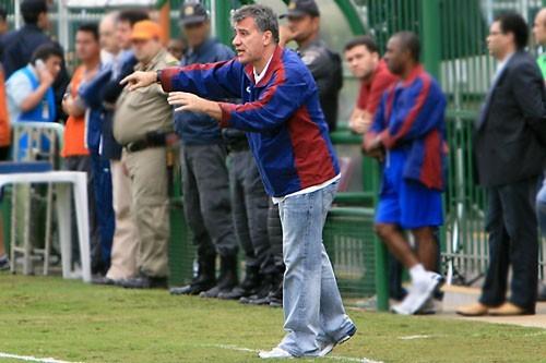 Alfredo Sampaio foi importante na reabilitação do Bonsucesso (Foto: Arquivo)