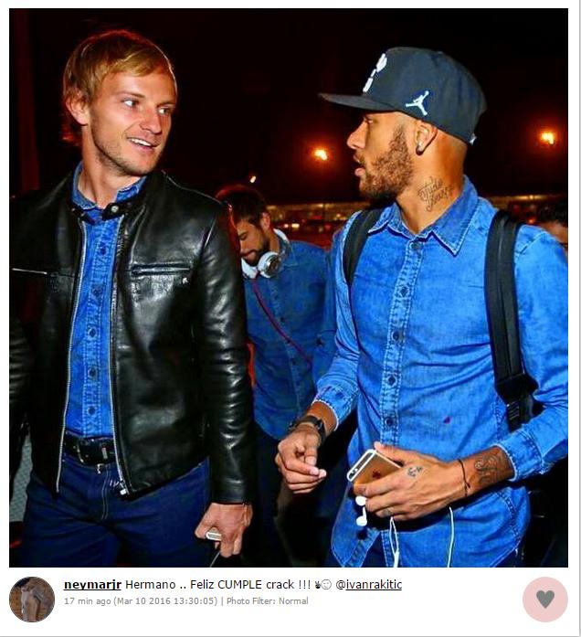 """BLOG: De volta à Espanha, Neymar festeja aniversário de Rakitic: """"Irmão"""""""