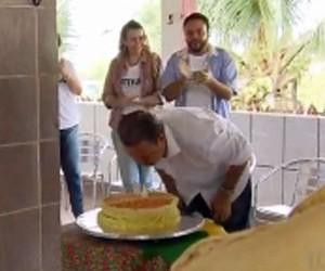 VÍDEOS: Eduardo Campos havia comemorado 49 anos no domingo (reprodução)