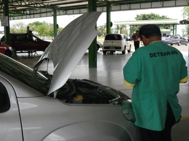 Vistoria veicular MS (Foto: Suelen Buzinaro/Detran-MS)