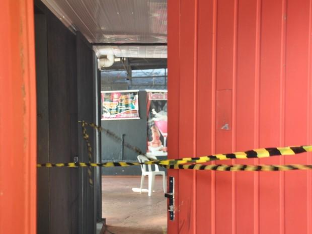 Casa de shows onde mulher e garçom foram encontrados esfaqueados (Foto: Fernando Oliveira/G1 MS)