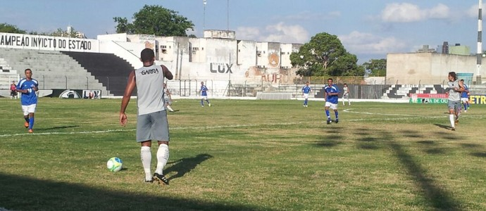 Treze x Alpargatas, amistoso no Estádio Presidente Vargas (Foto: João Brandão Neto / GloboEsporte.com)