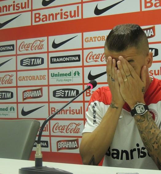 olhos vendados (Tomás Hammes / GloboEsporte.com)
