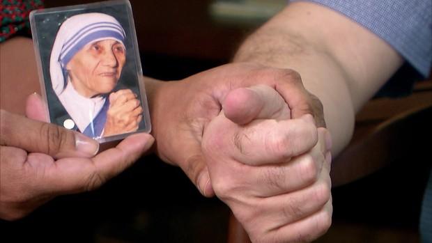 Brasileiro fala sobre milagre de Madre Teresa (Globo)