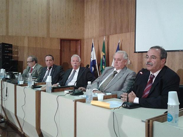 Comissão da Verdade faz 1ª sessão pública do caso Padre Henrique (Foto: Robson Batista/Globo Nordeste)