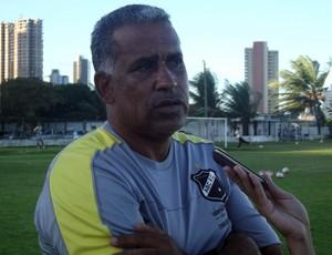 Ademir Fonseca, treinador do ABC 2 (Foto: Bruno Araújo/GLOBOESPORTE.COM)