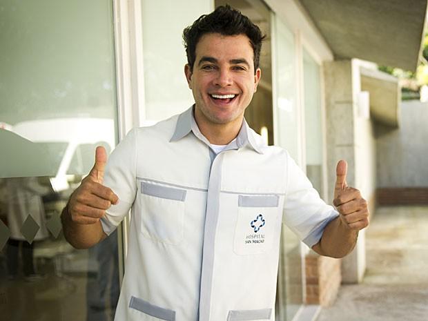 Carlito vai ter seu dia de enfermeiro (Foto: João Miguel Júnior/TV Globo)