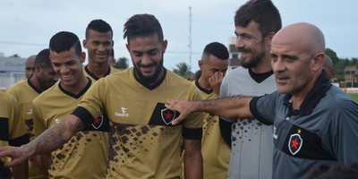 David Luis, Botafogo-PB (Foto: Edgley Lemos / GloboEsporte.com/pb)