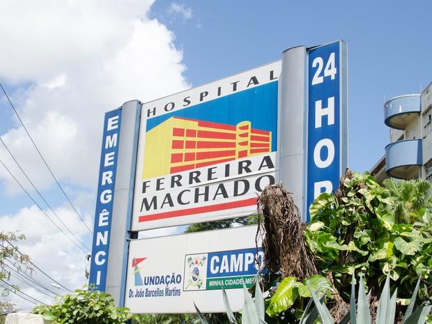 O corpo do homem foi levado para o Hospital Ferreira Machado. (Foto: Letícia Bucker/ G1)