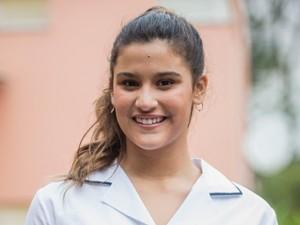 Giulia Costa é Lívia, aluna do Colégio Leal Brazil, na nova temporada de Malhação (Foto: João Cotta / TV Globo)