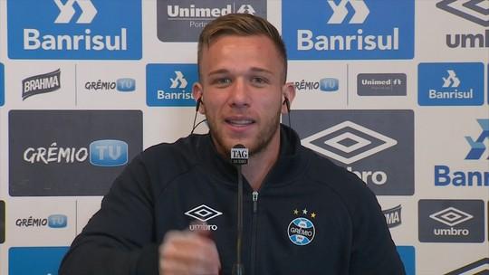 """Antes de ir à Europa, Arthur quer título grande no Grêmio: """"Preciso me firmar"""""""
