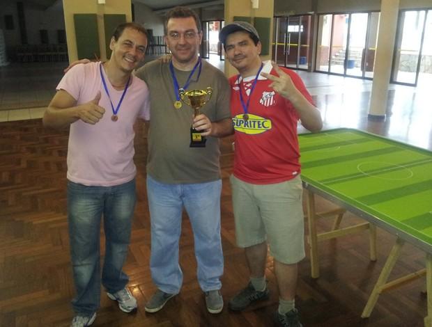 Pódio: Luigi Mollerke, Cláudio Coca e Renato Garcia (Foto: Divulgação/Fefumems)