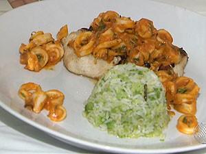 Aprenda a fazer receita de peixe ao molho de lula (Foto: Reprodução/TV Bahia)