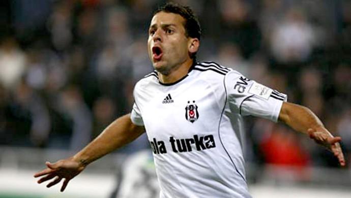 bobô comemora gol do besiktas sobre o Sivasspor (Foto: Divulgação / Site Oficial do Besiktas)