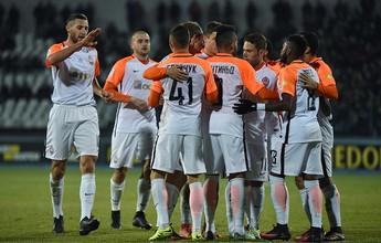 Shakhtar vence com assistências de Fred e Taison e segue líder na Ucrânia