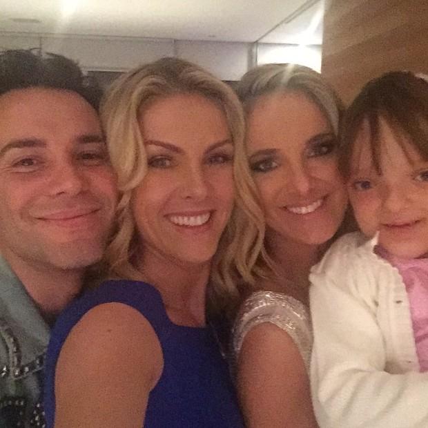 Matheus Mazzafera, Ana Hickmann, Ticiane Pinheiro e Rafaella Justus em festa em São Paulo (Foto: Instagram/ Reprodução)