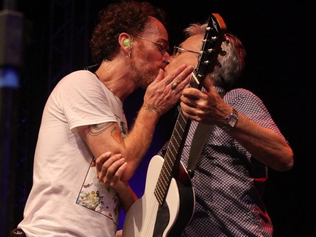 Nando Reis e Caetano Veloso em show no Rio (Foto: Thyago Andrade/ Brazil News)