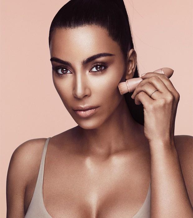 Kim Kardashian lançou marca de maquiagens (Foto: Divulgação)