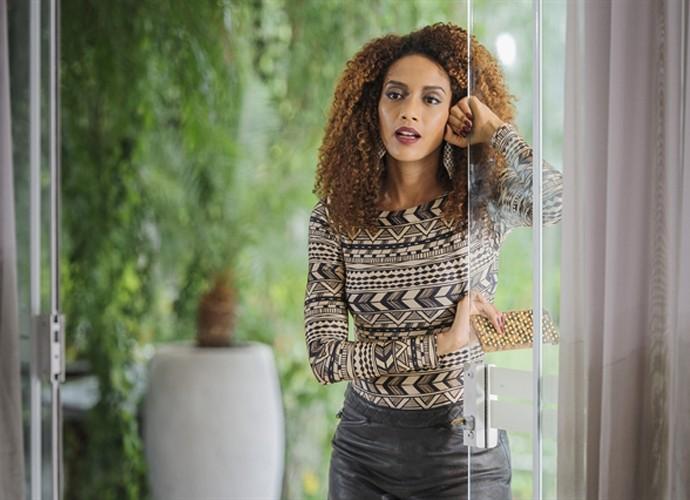 Michele decide investir em novo astro pop (Foto: Caiuá Franco / TV Globo)