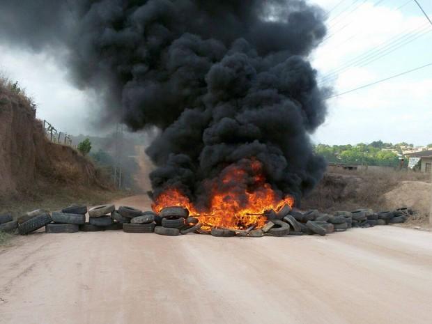 Cobrança por fornecimento de água e asfalto causou protesto (Foto: Dalton Pacheco/Arquivo Pessoal)
