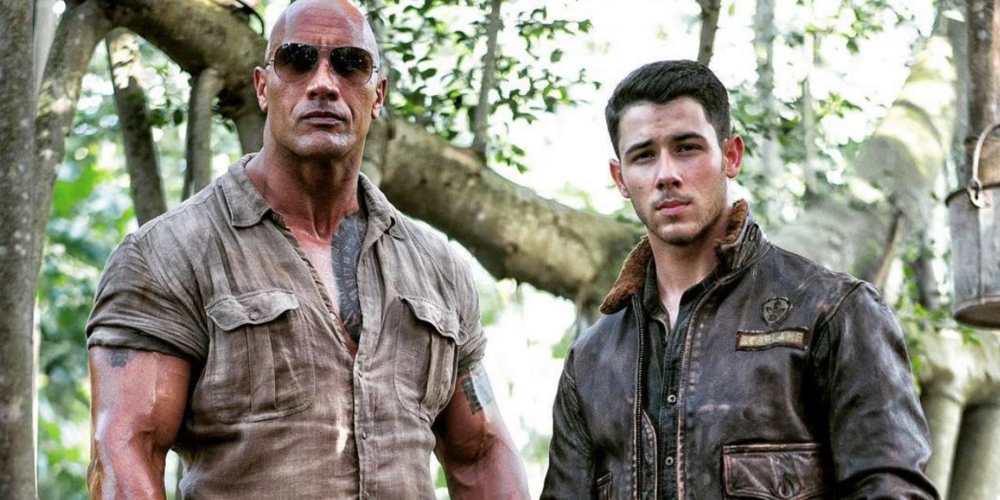 The Rock e Nick Jonas em 'Jumanji: Bem-Vindo à Selva' (Foto: Divulgação)
