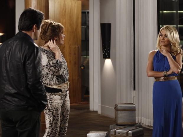 Jonas desconta fúria em Pamela e Gláucia diz que não sairá de lá (Foto: Inácio Moraes/TV Globo)