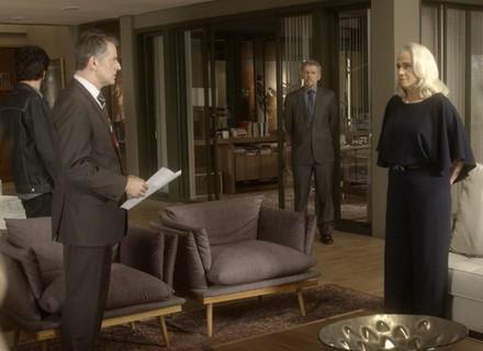Polícia procura por Pedro na mansão e Mág fica surpresa