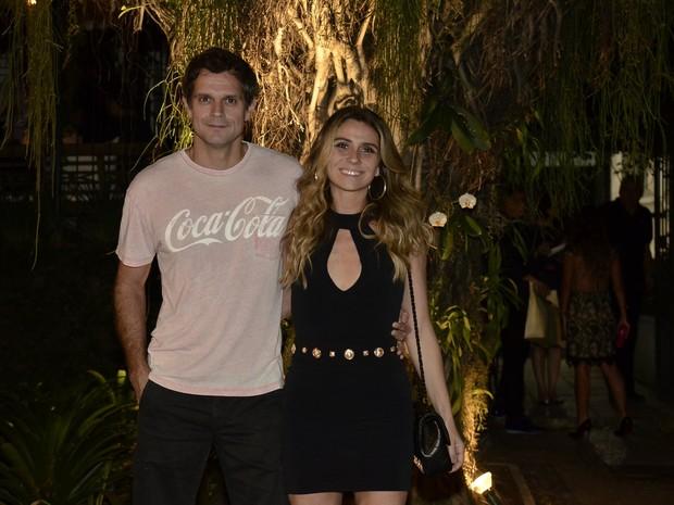 Giovanna Antonelli e o marido, Leonardo Nogueira, em festa na Zona Sul do Rio (Foto: Roberto Teixeira/ EGO)
