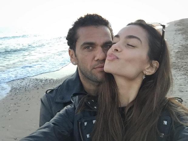 Joana Sanz e Daniel Alves (Foto: Reprodução/Instagram)