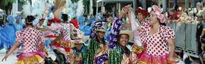 Império do Morro fecha desfile com chave de ouro (Gisele Ribeiro)