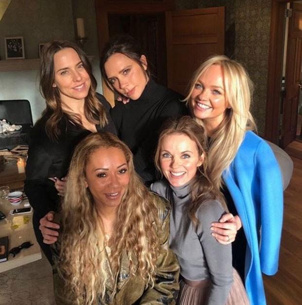 Spice Girls aparecem juntas em foto e fãs se empolgam com reunião