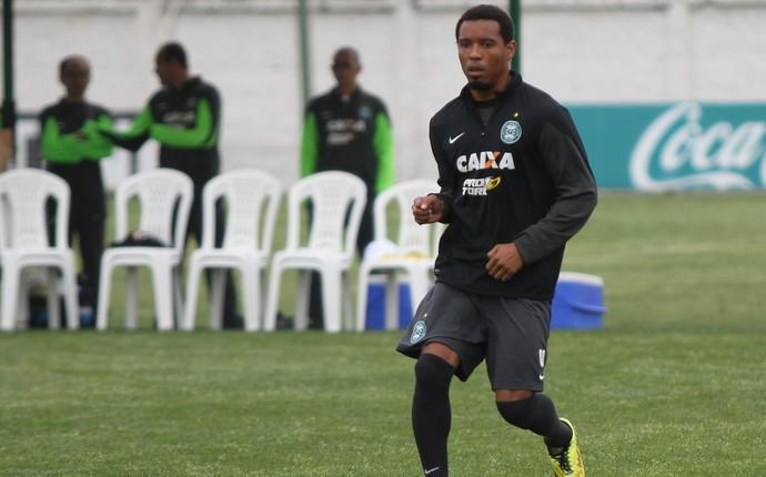 Volante Rosinei, do Coritiba (Foto: Divulgação/ Site oficial Coritiba)