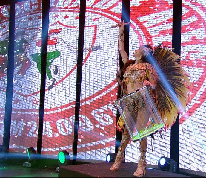 Aline Oliveira é a rainha da Mocidade Alegre (Foto: Reprodução)