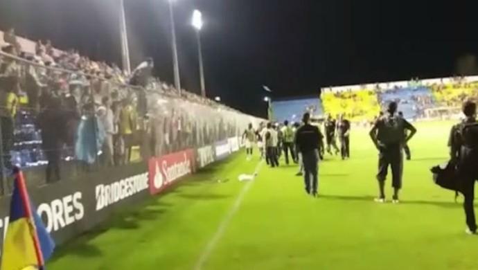 Frame Atlético-PR Capiatá (Foto: Reprodução)