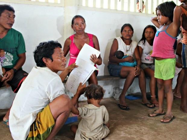 Índios da etnia Hupd'äh, que vivem em aldeia do município de São Gabriel da Cachoeira (AM) (Foto: Adneison Severiano G1/AM)