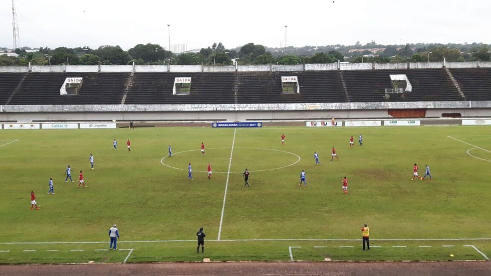 Lance de Comercial-MS x Sinop no estádio Morenão, em Campo Grande (Foto: Mariana Cintra/TV Morena)
