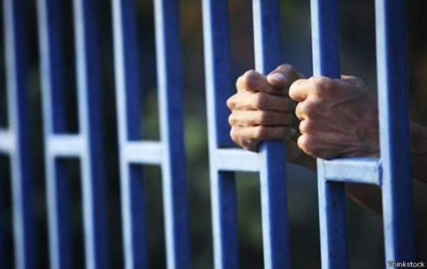Mudança nos EUA ocorreu após estudos mostrarem que prender menores de idade não tinha efeito considerável nos índices de criminalidade (Foto: Thinkstock/BBC)