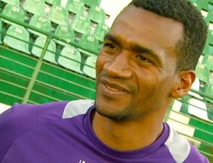 Julio Cesar zagueiro Guarani (Foto: Márcio de Campos / EPTV)