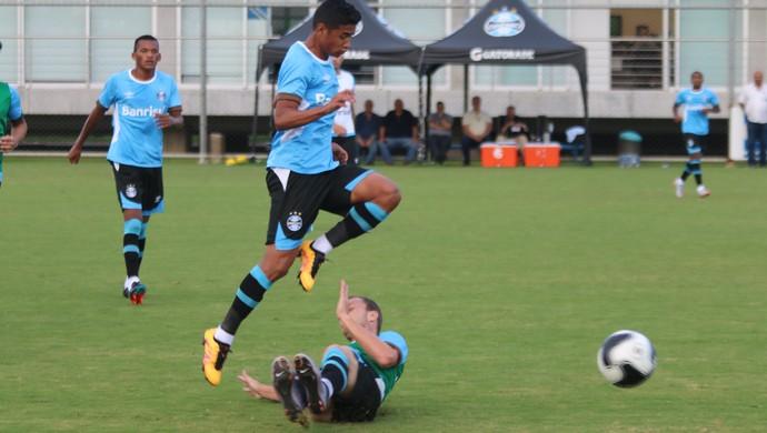 Wesley Lucas Coelho treino do Grêmio (Foto: Eduardo Moura/Globoesporte.com)