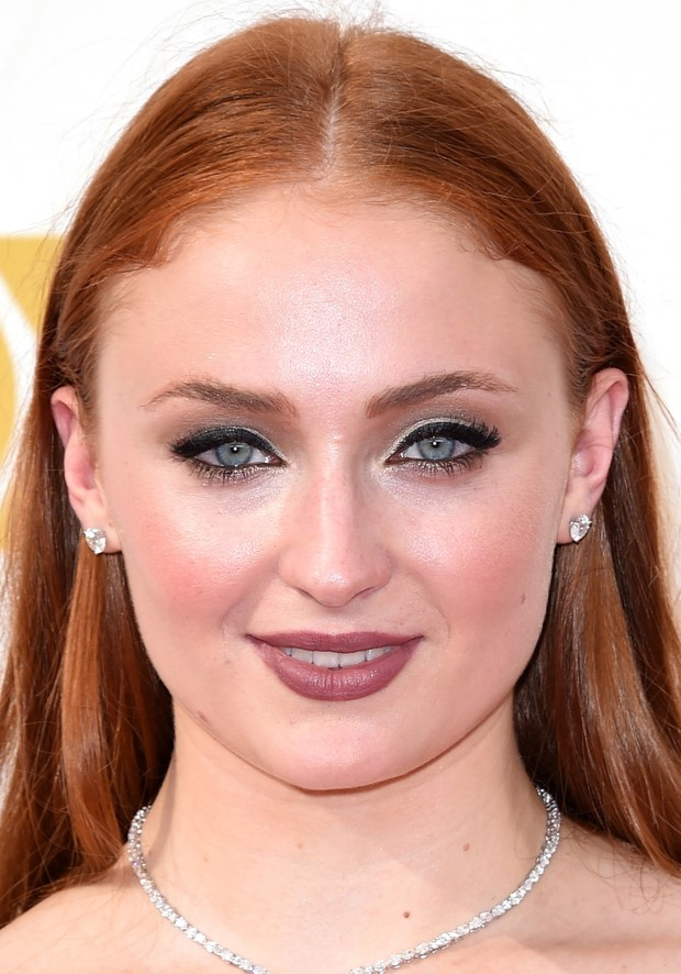 MAKE EMMY 2015 - Sophie Turner (Foto: AFP)