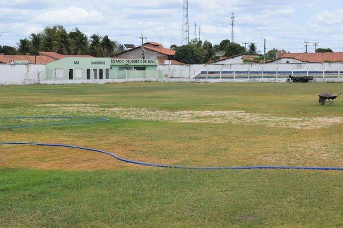 Estádio Deusdeth de Melo  (Foto: Otávio Neto)