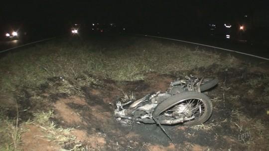 Jovem morto ao atropelar boi em rodovia seguia para a casa da mãe em Barretos, SP
