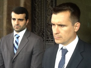 Delegado Alexandre Capote diz que a operação continua (Foto: Mariucha Machado / G1)
